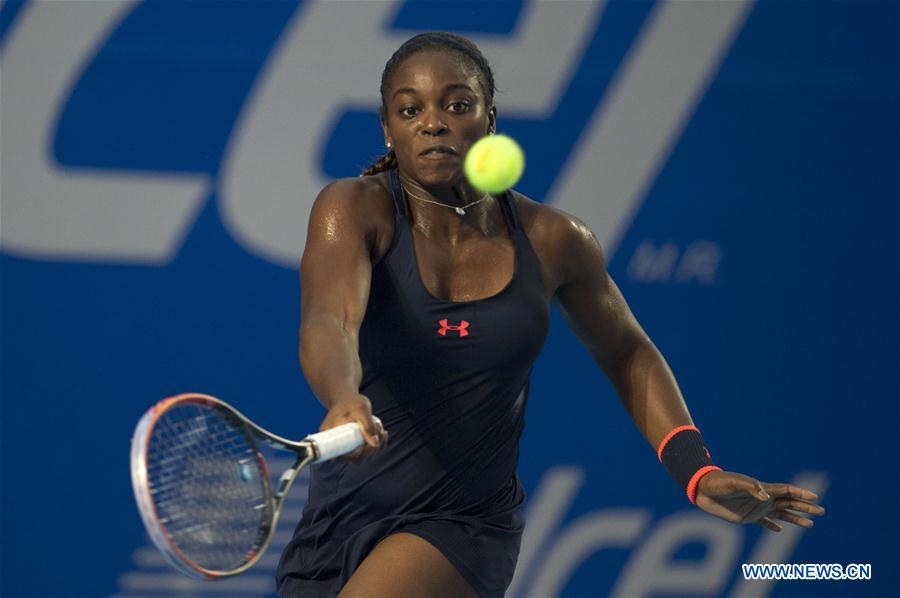 GUERRERO, Feb. 28, 2016 (Xinhua) -- United States' Sloane Stephens competes during the women's single final against Dominika Cibulkova of Slovakia at the Mexican Tennis Open 2016 in Acapulco, Mexico, Feb. 27, 2016. Sloane Stephens won 2-1 to claim the title. (Xinhua/Jesus Espinosa)