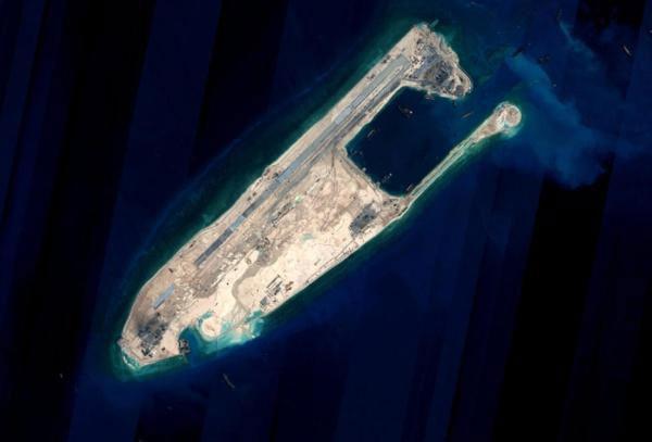 Beijing condemns US warship patrol