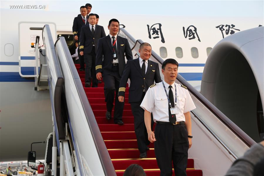 Air china receives 1st boeing 787 9 dreamliner 7 peoples daily correctionchina beijing air china boeing 787 9 dreamliner publicscrutiny Images