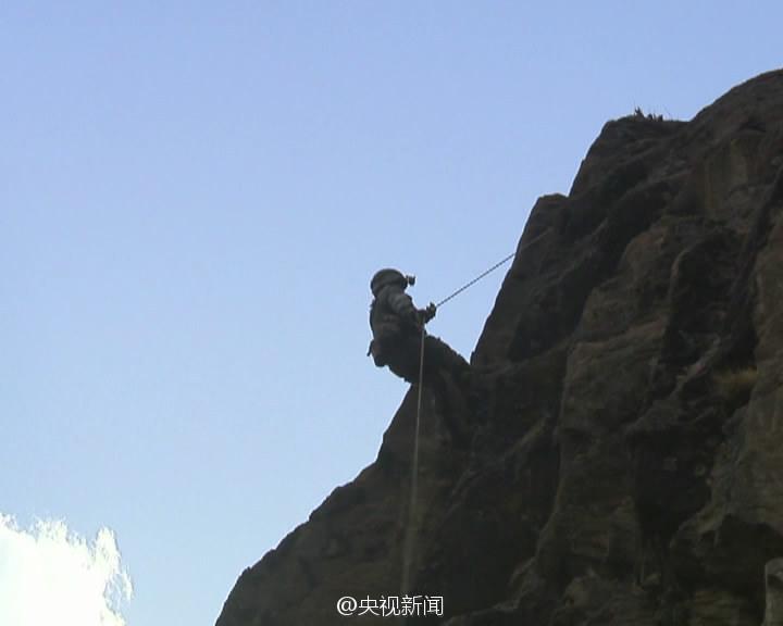 攀爬训练。