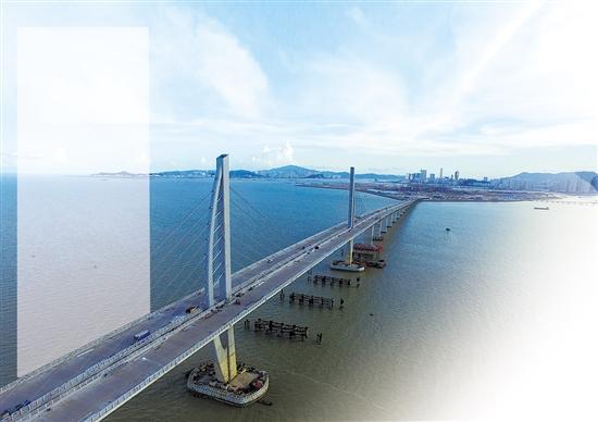 港珠澳大桥主体桥梁明日合龙
