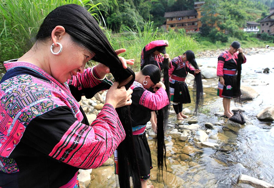 Huangluo: China's 'long hair village'