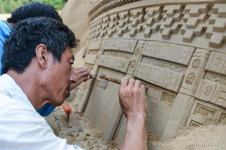 An international sand sculptures show was prepared to display landmarks and well-known cartoon characters of G20 members, as a way to greet the upcoming G20 summit in Hangzhou, capital of Zhejiang, next month.