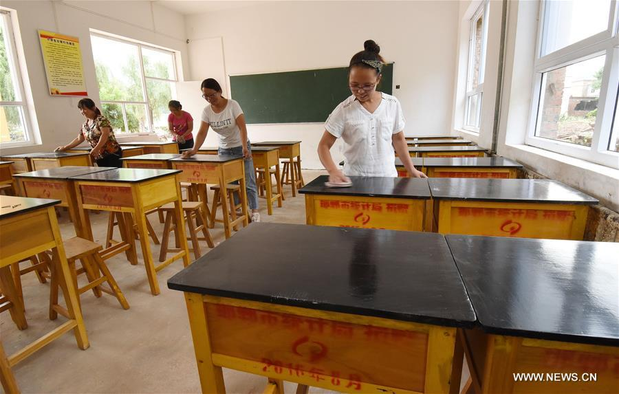 As the new semester draws near, repair work in 61 schools has been finished. Reinforcement and rebuilding for the other seven schools are underway