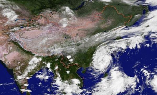 """飓风""""鲇鱼""""登福建泉州 4省遭大暴雨"""