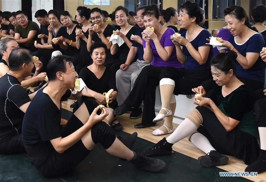 CHINA-TIANJIN-ELDERLY BALLET DANCER (CN)