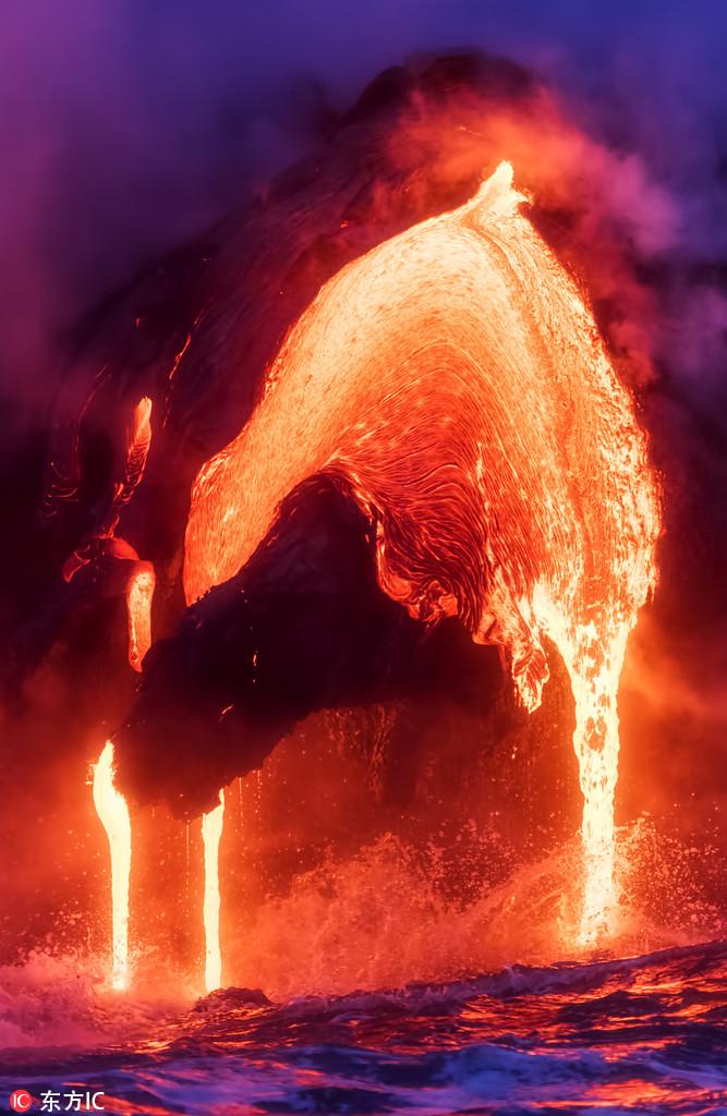 岩浆与银河完美同框 摄影师镜头捕捉自然震撼奇观