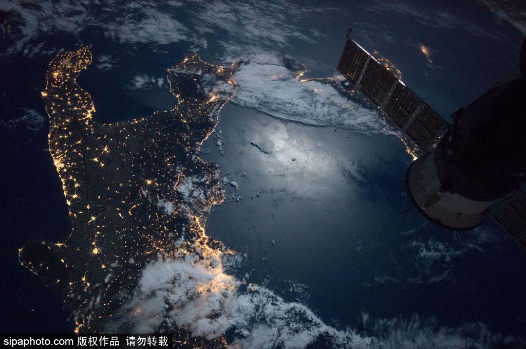 NASA女宇航员在国际空间站记录地球震撼美景