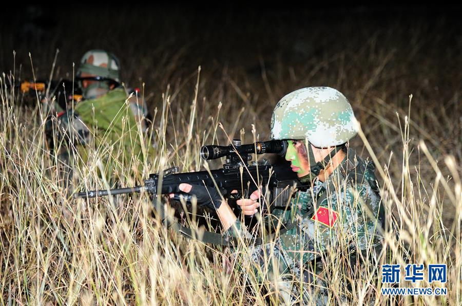 中国 陆军/11月25日,在印度浦那,中国军人参加中印陆军反恐联合训练。