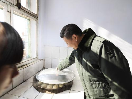 习近平:让祖国的下一代喝上好奶粉,我很重视