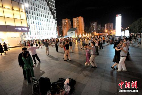 多地为广场舞立规北京广场舞扰民或受治安处罚