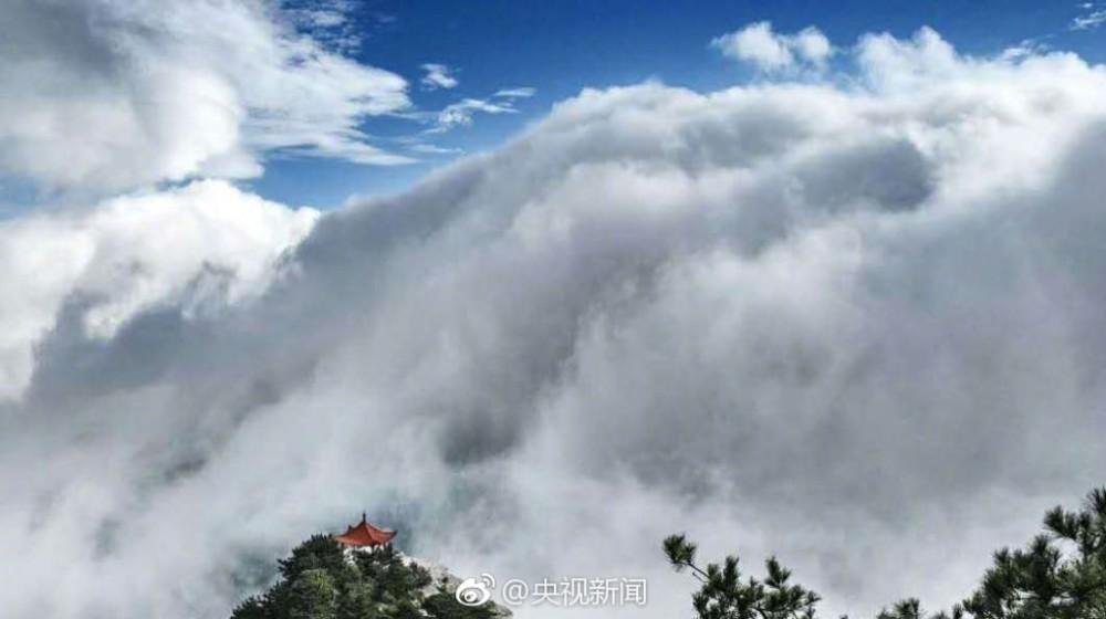 壯觀!廬山現瀑布雲 流轉山澗【9】