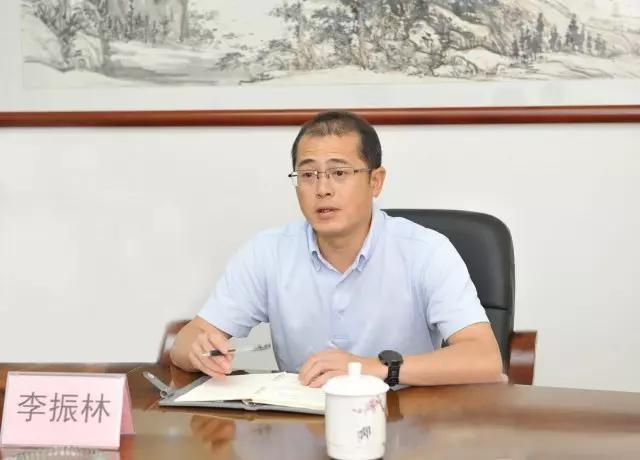 李振林到广西民族出版社走访调研