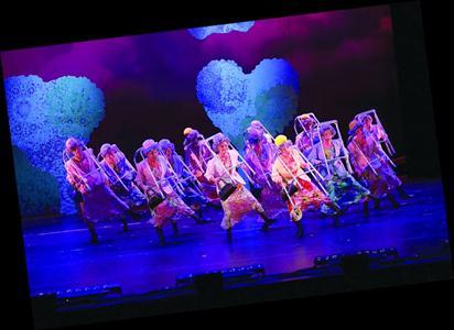 百老汇经典音乐剧《金牌制作人》在上海拉开大幕