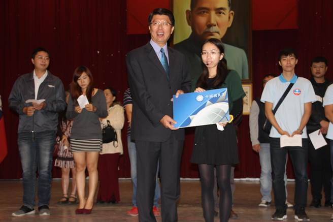 国民党再批台当局:蔡赖二人已成负面代名词康奈皮鞋加盟费多少