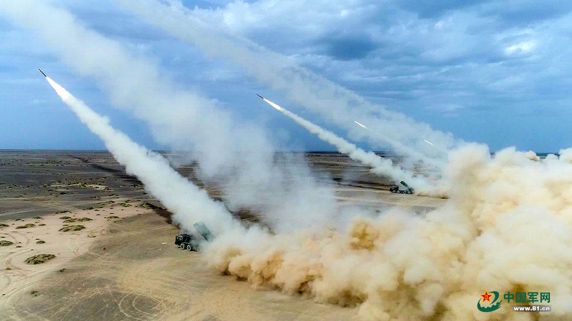 陆军第74集团军某炮兵旅实弹战术演习在西北腹地打响