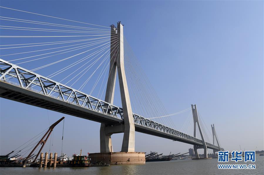 (经济)(1)蒙华铁路洞庭湖特大桥主桥工程进入收尾阶段