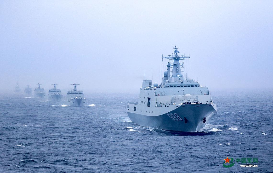 6艘登陆舰编队出海实战演练