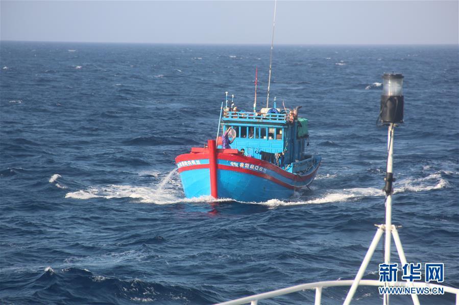 (图文互动)(1)中国成功救助一名在西沙海域突发重病越籍渔民