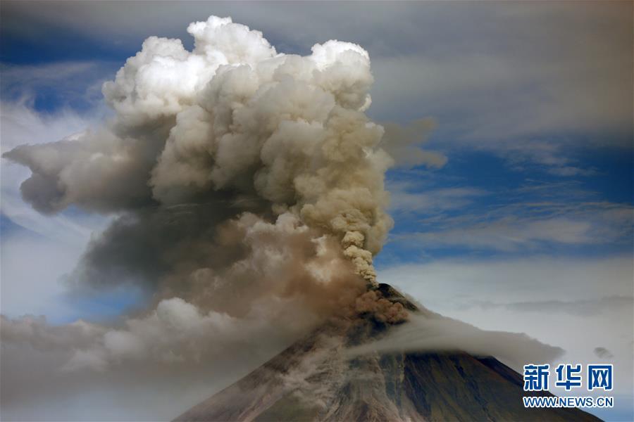 (国际)(1)菲律宾马荣火山持续喷发
