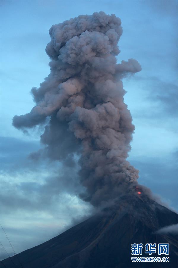 (国际)(2)菲律宾马荣火山持续喷发