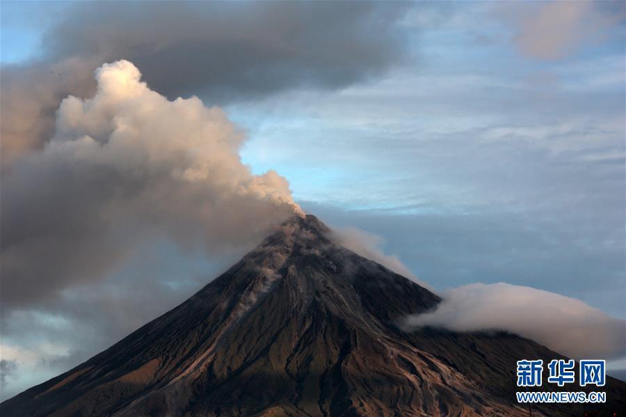 (国际)(3)菲律宾马荣火山持续喷发