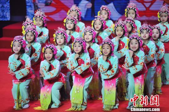 2018传统文化春节联欢:助力传统文化走出去