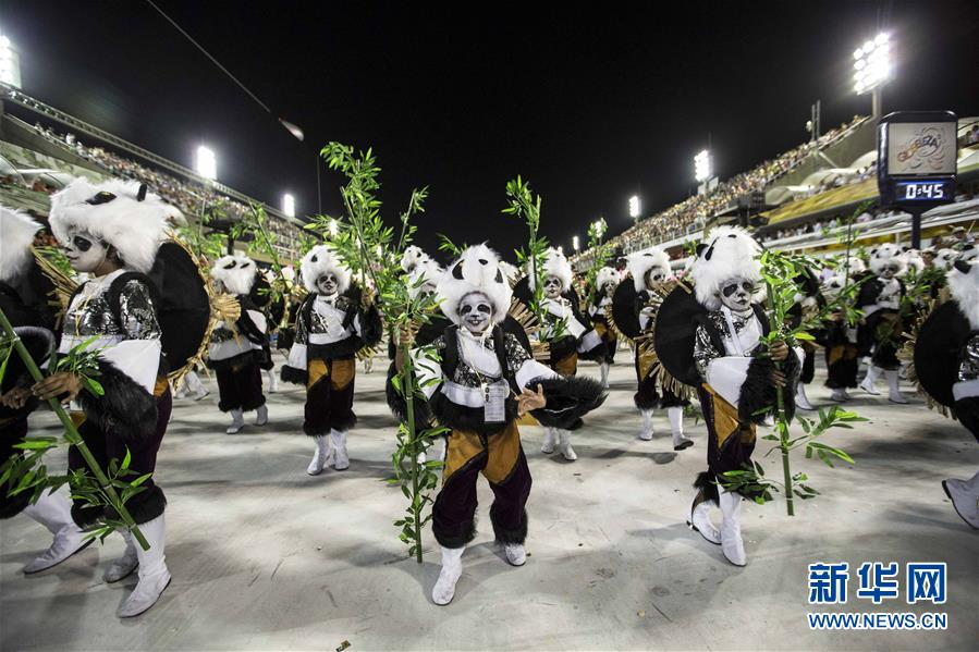 (国际)(1)巴西老牌桑巴舞校以中国主题亮相里约狂欢节