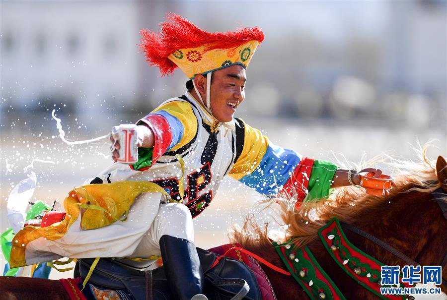 (体育)(1)民族体育——传统马术表演庆藏历新年