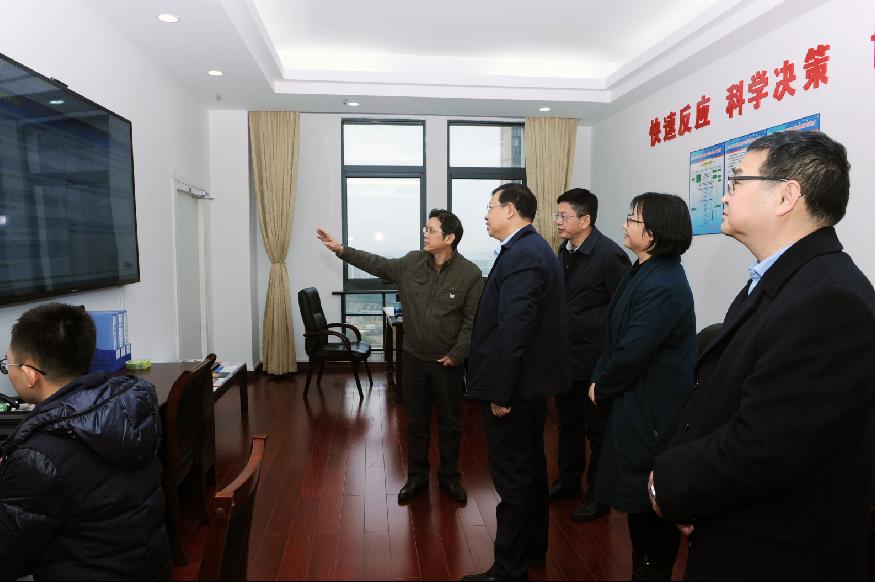 自治區副主席李彬到自治區食品藥品監管局走訪調研