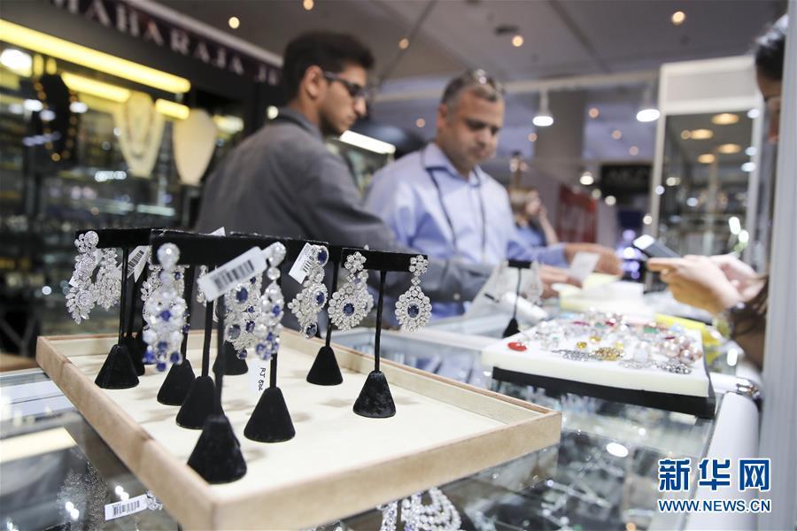 (国际)(4)纽约举行春季珠宝展