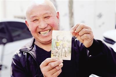 河南新密夫妇苦寻32年的失散儿子原来一直在荥阳生活