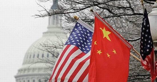 人民日报:美国巨额贸易逆差根本原因在其自身