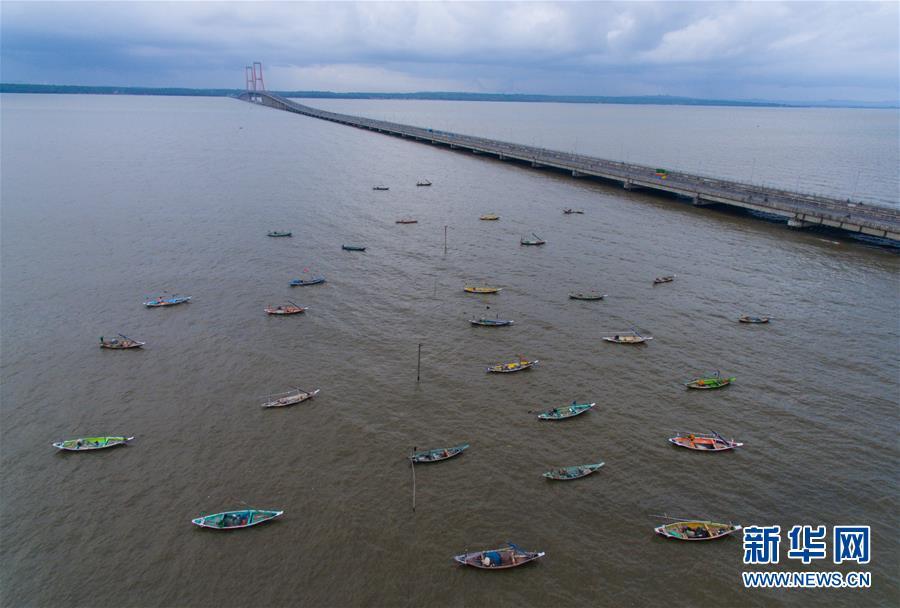 泗马大桥见证中印尼友好关系发展  两地经济社会发展带来巨大活力