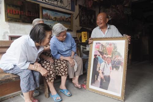 �D家水上婚礼拍入南宁城市纪录片勾起传唱者记忆