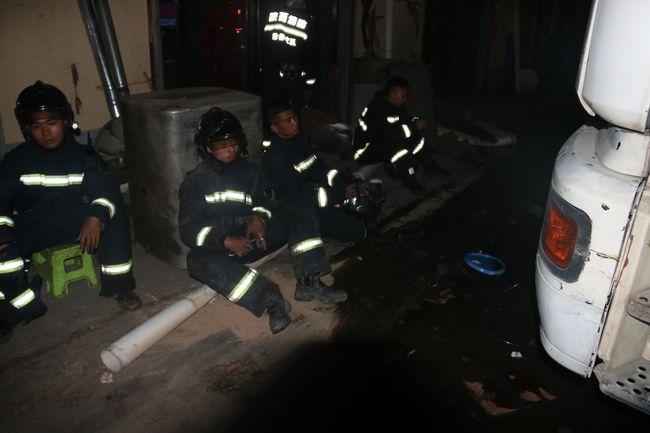 消防队员休息