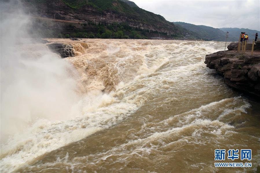 #(環境)(3)黃河壺口瀑布現半清半濁景觀