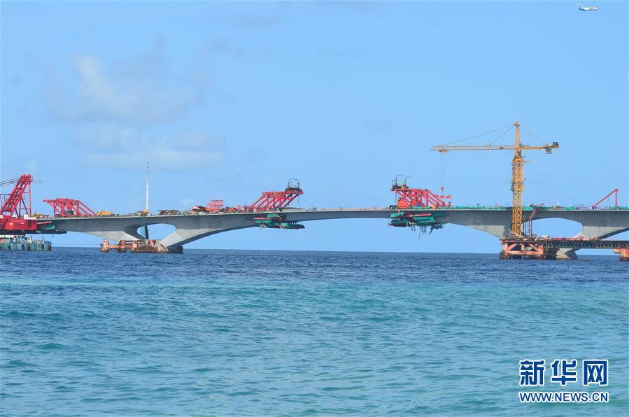 中马友谊大桥项目合龙贯通