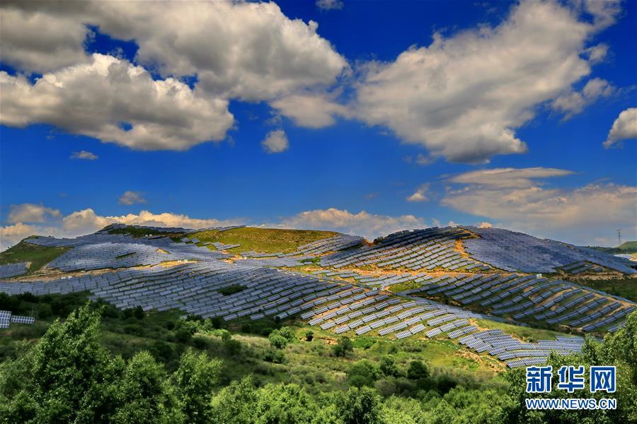 (社会)我国光伏发电装机容量超过15000万千瓦