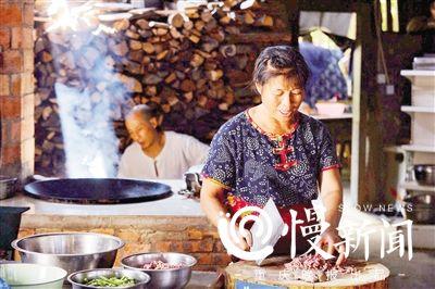 重庆:隐匿民宿的非遗牛肉酱