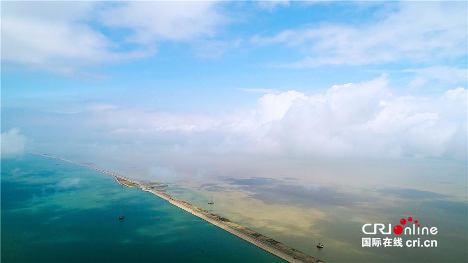 """【大江奔流——来自长江经济带的报道】上海""""江心""""水库让1300万人获益"""