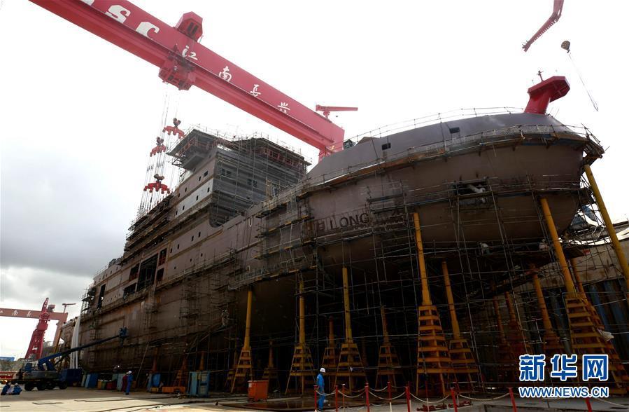 """(圖文互動)(1)我國第一艘自主建造的極地科考破冰船""""雪龍2""""號雄姿初現"""