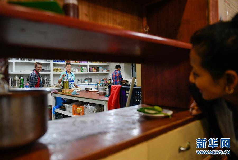 (XHDW・图文互动)(5)尼泊尔家庭在中国边境小镇的新生活