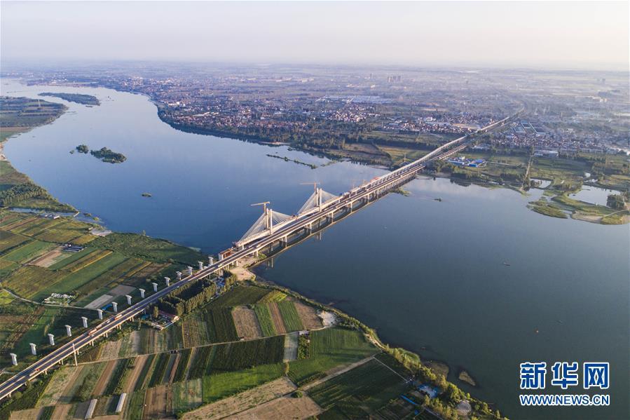 #(经济)(2)蒙华铁路汉江特大桥完成挂索