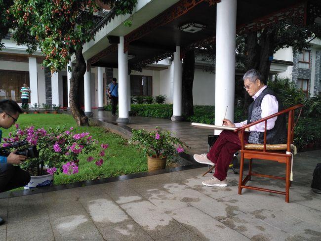 中国艺术研究院博士生导师姜宝林深入惠州写生