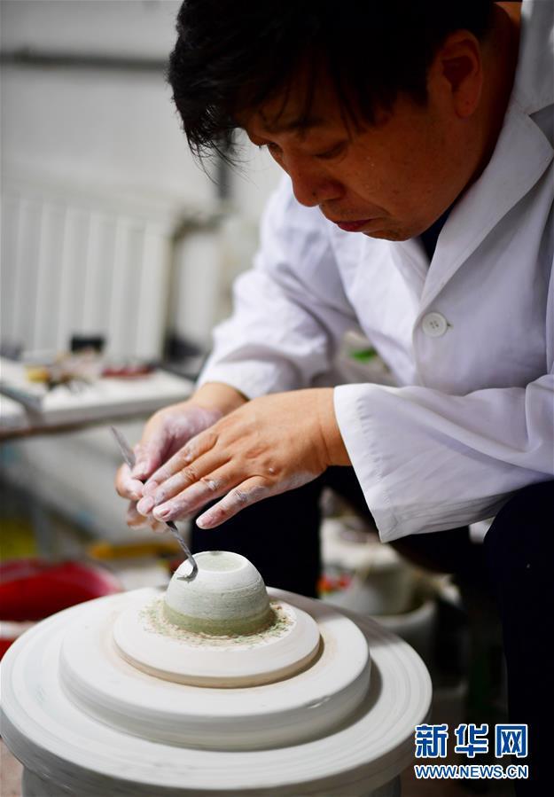 """(文化)(8)絞胎瓷:""""編織""""出來的瓷器"""
