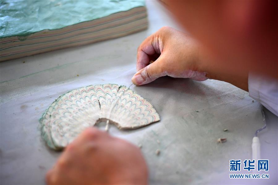 """(文化)(5)絞胎瓷:""""編織""""出來的瓷器"""