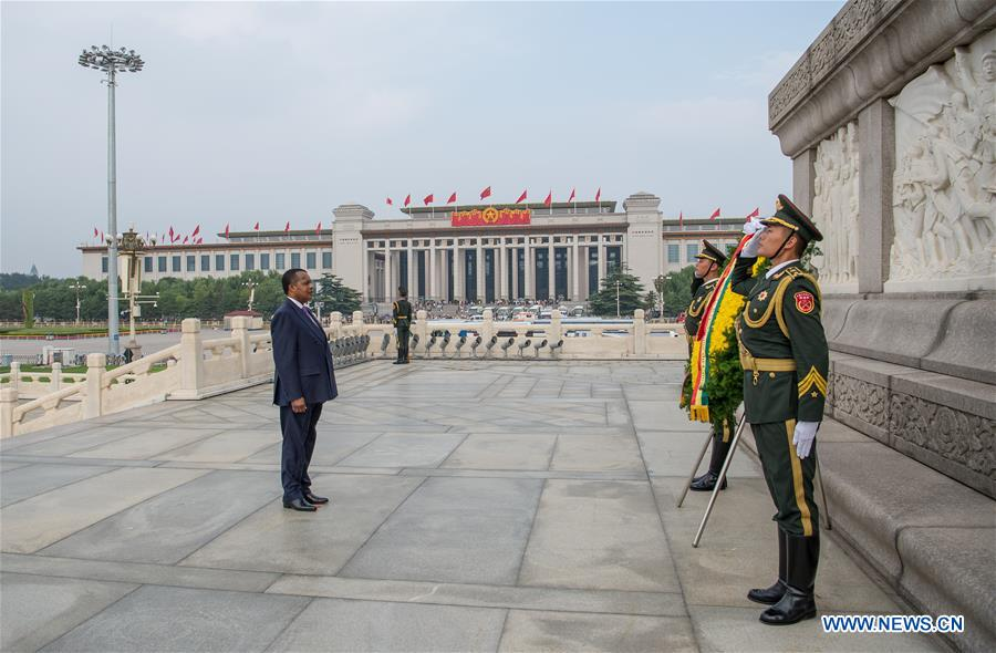CHINA-BEIJING-REPUBLIC OF CONGO-PRESIDENT-MONUMENT-TRIBUTE (CN)