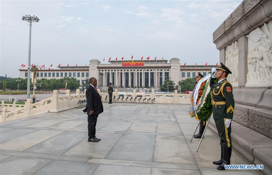 CHINA-BEIJING-SOUTH AFRICAN PRESIDENT-MONUMENT-TRIBUTE (CN)