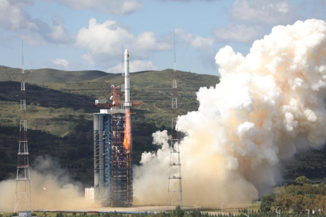 A Long March-2C rocket carrying the HY-1C satellite takes off from the Taiyuan Satellite Launch Center in Shanxi Province at 11:15 a.m. on Friday, September 7, 2018. [Photo: China Plus]